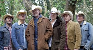 Los Pacaminos Featuring Paul Young